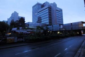 Bonner Stadthaus in der City: Gothic City im Morgengrauen