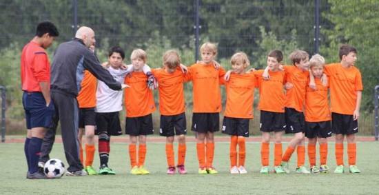 "E-Jugend der Fortuna Bonn mit ""Kessenich ist kult""- Trikots /  Foto: Brigitte Papenburg"